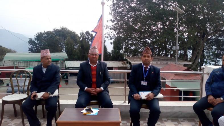 इलाम जिल्लाका प्रमुख जिल्ला अधिकारीसंगको छलफलमा रा.स.के. अनुगमन टोली